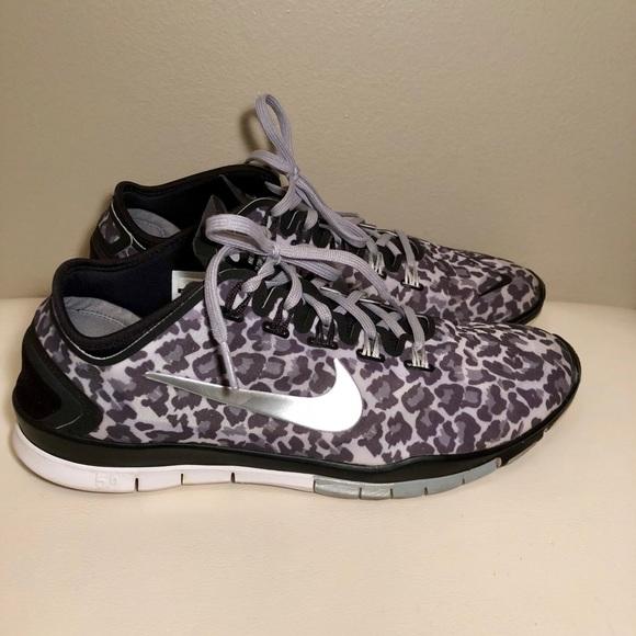 nike womens leopard print shoes